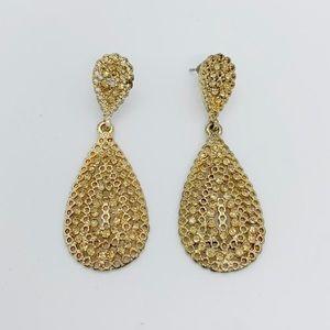 Jewelry - Goldtone Drop Earrings